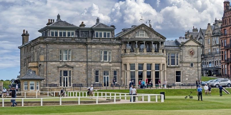 st-andrews-old-course-clubhouse